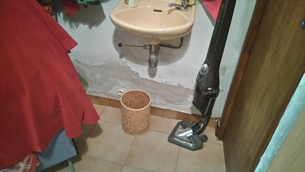 remont es d 39 humidit s dans les murs d g ts des eaux et fuite sur l 39 installation eau froide. Black Bedroom Furniture Sets. Home Design Ideas
